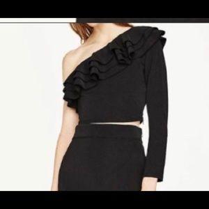One long sleeved ruffle Zara crop top